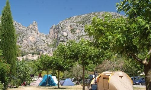 Camping manaysse moustiers sainte marie verdon for Camping gorges du verdon avec piscine