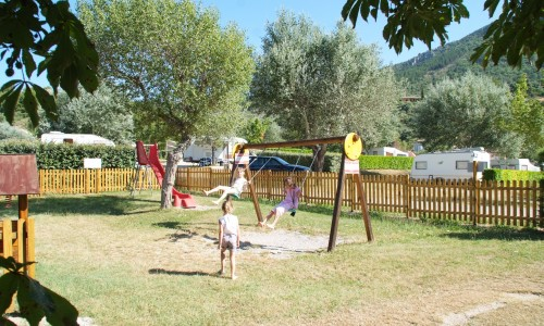 Camping 2 toiles familial moustiers sainte marie proche for Camping moustiers sainte marie avec piscine